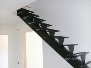 ogrodje kovinskih stopnic